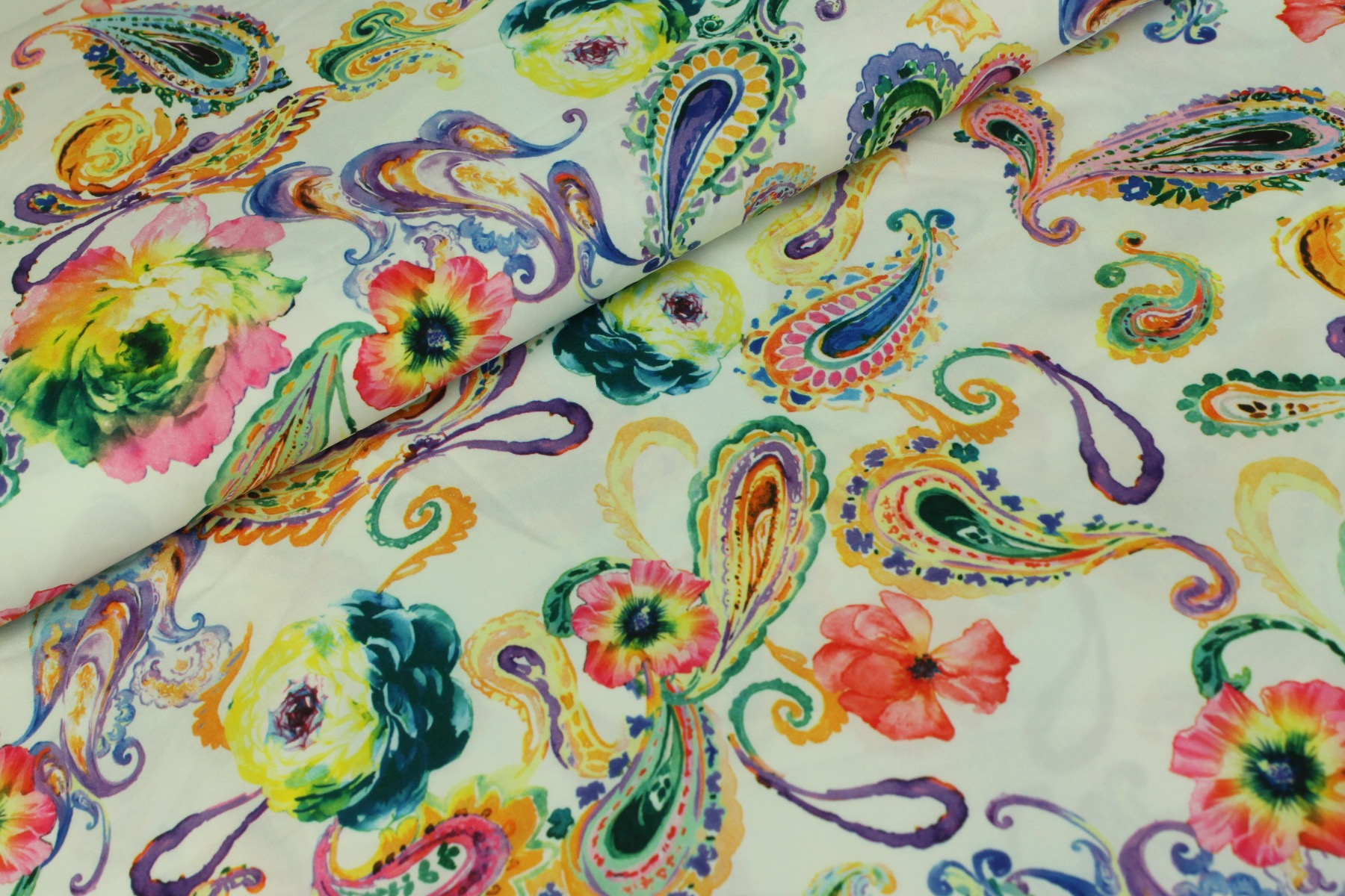 Paisley Royal Peach Stretch Wit - Jacky Fabrics