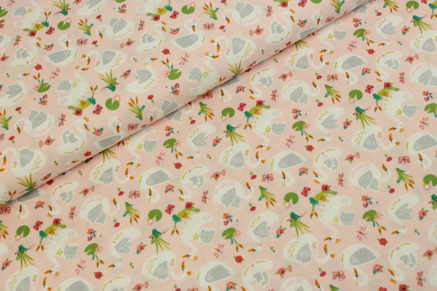 Beautiful Swans Katoen Roze - by Poppy